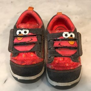 Stride rite Elmo shoes for toddler size 6.5